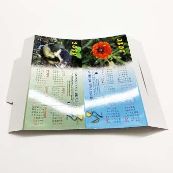 Calendari sobretaula troquelat